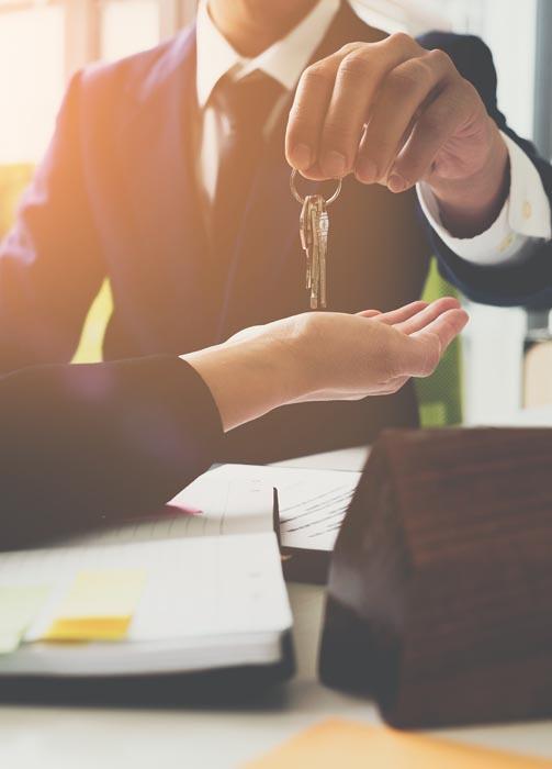 abogado transacciones inmobiliarias