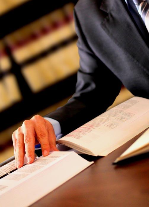 abogado derecho contractual